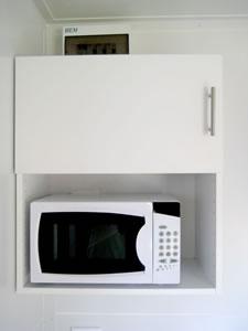 Caravan-microwave